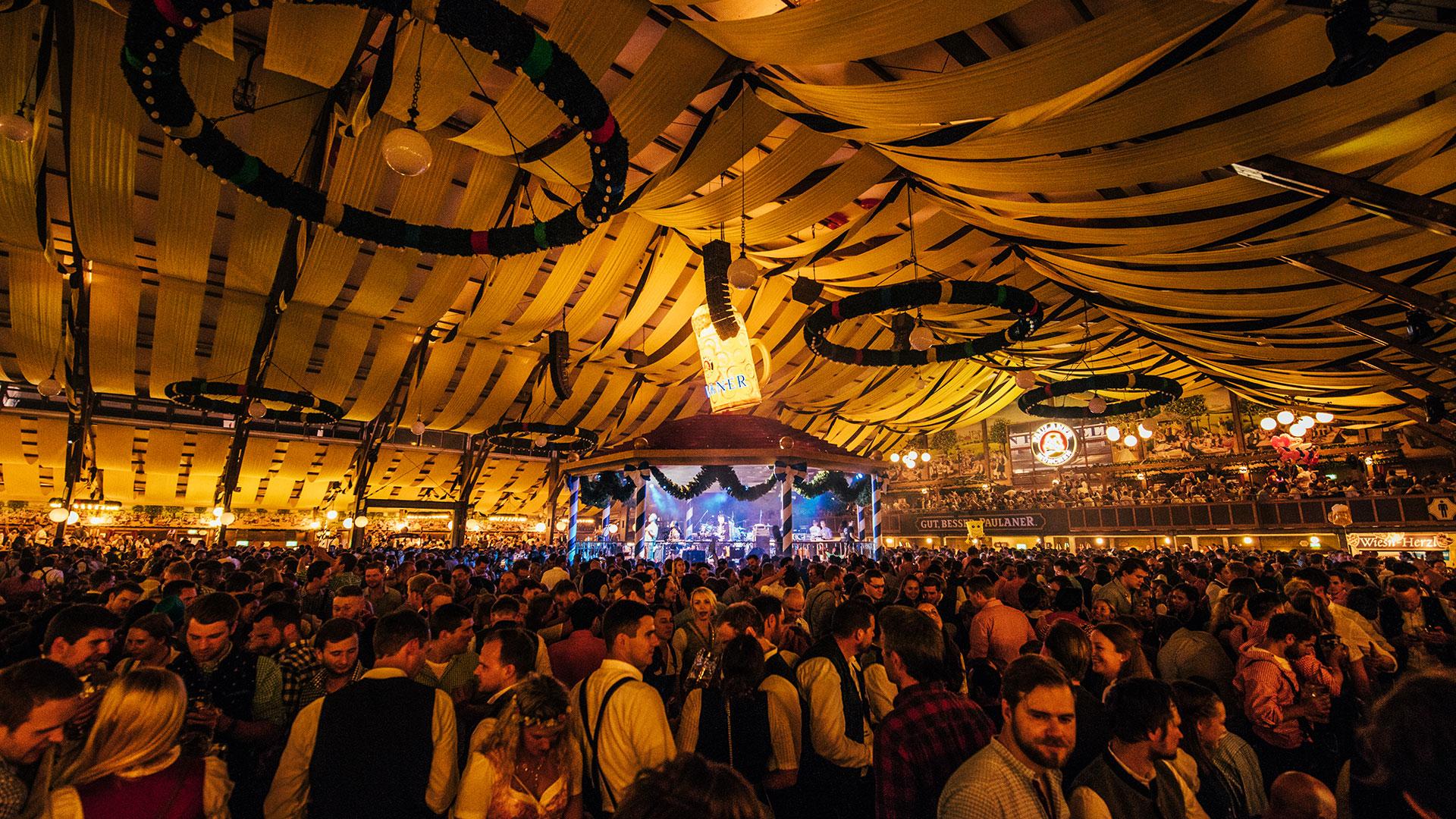 Paulaner_Oktoberfest2019_JB-Lighting_P18_Dora_Showtechnik_4.jpg